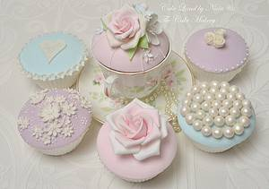 Couture cupcakes - Cake by Nivia