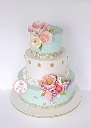 Vintage and feminine  - Cake by SimplySweetCakes