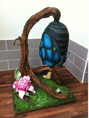 Hanging Butterfly - Cake by Licky Lips Cakes