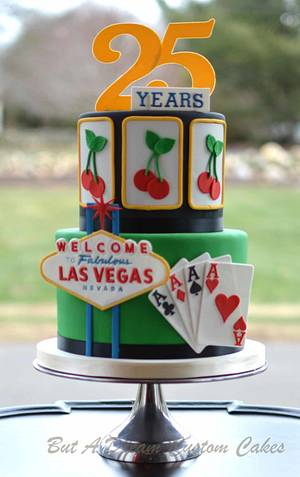 What happens in Vegas.... - Cake by Elisabeth Palatiello