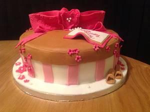 Present Bow Cake - Cake by Sarah's Crafty Cakes