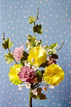 Flower spray - Cake by Rebecca Grace