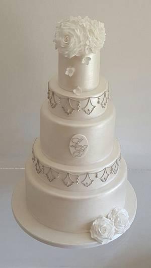 Deco Roses - Cake by TiersandTiaras