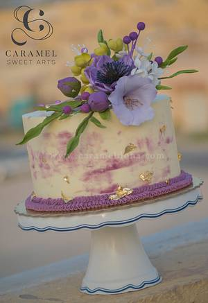 Touch of Gold & Sugarflowers - Cake by Caramel Doha