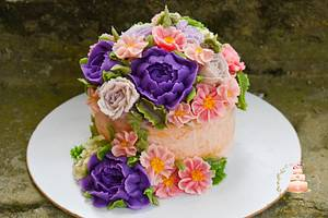 Cake with bean paste flowers - Cake by Benny's cakes