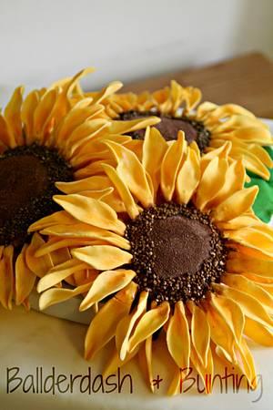 Sunshine on a rainy day - Cake by Ballderdash & Bunting