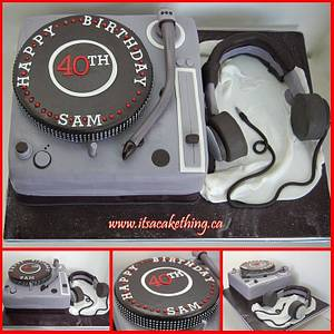 DJ Turntable & Headphones - Cake by It's a Cake Thing