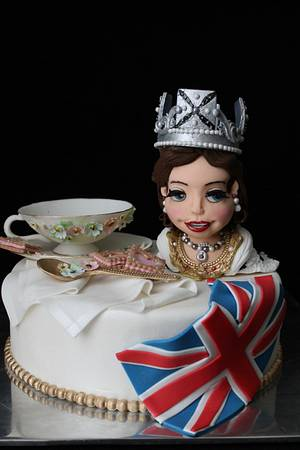 """""""The Crown"""" Cakeflix collaboration - Cake by Las Tostis"""