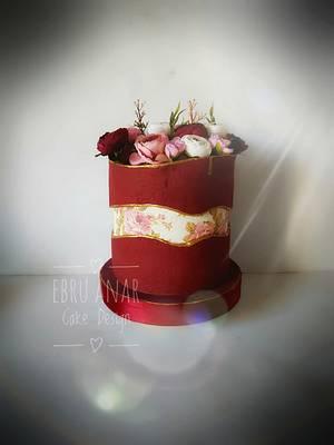 Faint Line - Cake by Ebru Anar