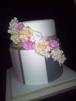 Something a little different. - Cake by Fiona Williamson