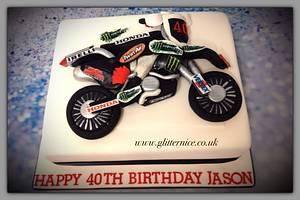 Motorbike fan - Cake by Alli Dockree