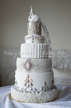 fabric and jewels - CI entry - Cake by Fancy Favours & Edible Art (Sawsen)