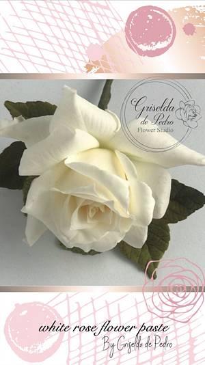 white rose flower paste - Cake by Griselda de Pedro