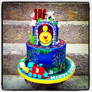 Icing Smiles Cake Trains and Farm Animals - Cake by Danijela Lilchickcupcakes
