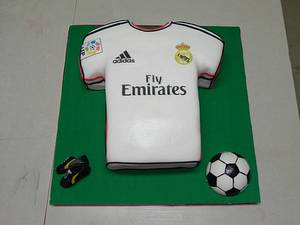 Real Madrid T-Shirt - Cake by Monica Garzon Hoheb