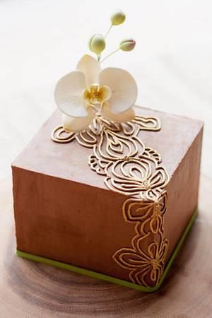 Phalaenopsis Orchid Cake - Cake by La Cupella Cake Boutique - Ella Yovero