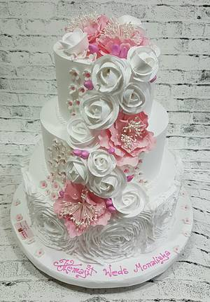 Ruffled Romance  - Cake by Michelle's Sweet Temptation