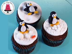 Christmas Winter Penguin Cupcakes Toppers! - Cake by The Icing Artist