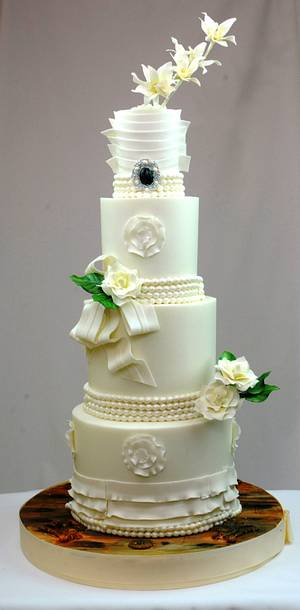 Wedding Gardenias and Orchids - Cake by Sugarpixy