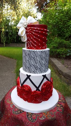 Red and black cake - Cake by Zohreh