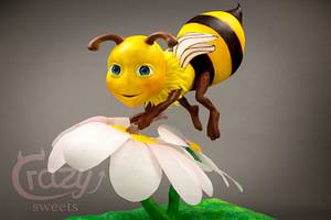 3D gravity diving cake honeybee - Cake by Crazy Sweets