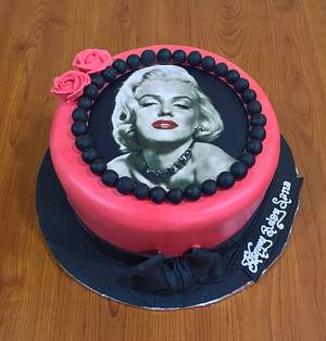 Marilyn Forever  - Cake by Michelle's Sweet Temptation