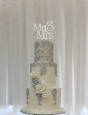 Elegance  - Cake by Zaafirah Adams  - Zee's Cake Corner
