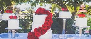 Red roses wedding cake - Cake by Sarah's Cakes