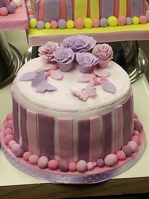 A rose and carnation cake - Cake by Disneyworld25