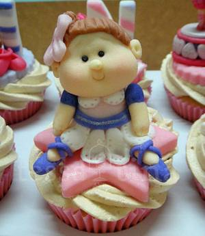 Ballerina - Cake by tessatinacakes