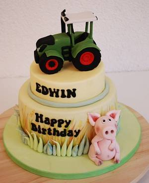 Fendt Bulldog birthday cake  - Cake by Simone Barton