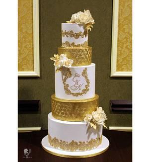 White & Gold Wedding Cake - Cake by Antonia Lazarova