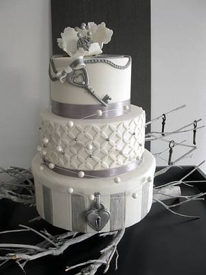 Love,locks and key wedding - Cake by Daantje