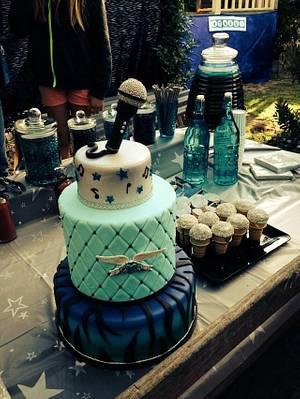 Karaoke  - Cake by Trickycakes