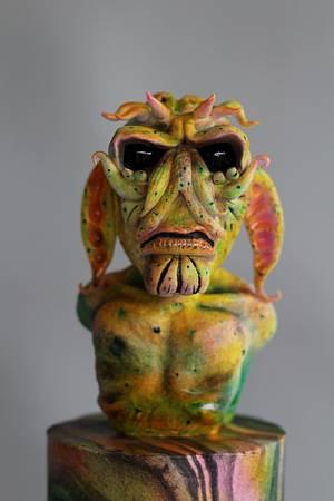 Aliens -  X-Files Challenge  - Cake by Jennifer Kennedy O'Friel - Sweet JennieD