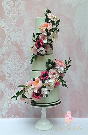 Floral Wedding Cake - Cake by Seize The Cake