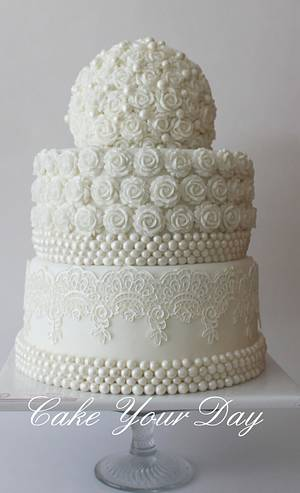 White Roses and Pearls Wedding Cake  - Cake by Cake Your Day (Susana van Welbergen)