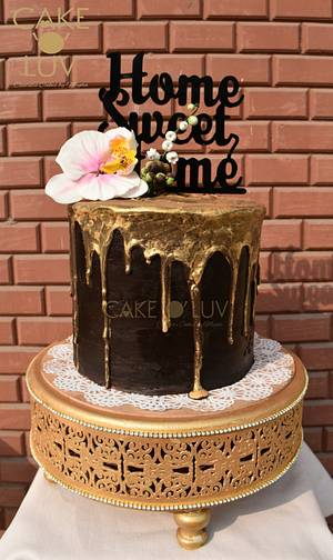 Dripping gold - Cake by Cake O'Luv - megha