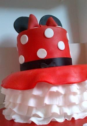 Minnie Mouse Cake - Cake by BuntysCakery