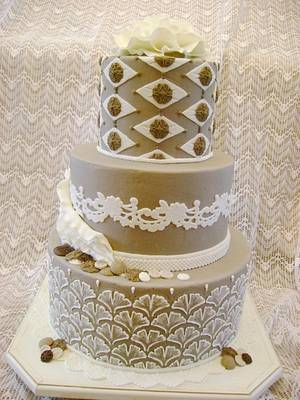 Vintage Cake - Cake by Theresa