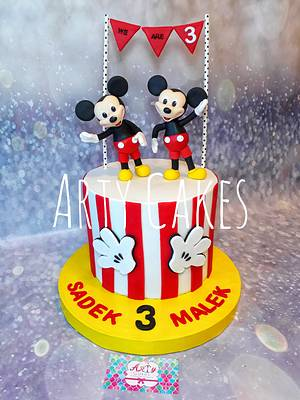 Mickey mouse twin cake - Cake by Arty cakes