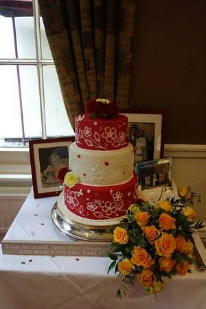 vintage wedding cake red and white - Cake by cupcakes of salisbury