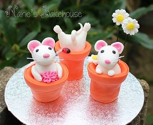 Teeny tiny mice for Fairytale Forest - Cake by Marie's Bakehouse
