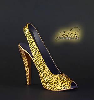 Claire Sugar Shoe Topper - Cake by Premierbakes (Julia)