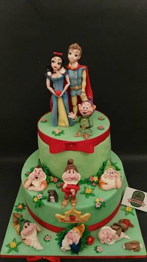 SnowWhite & Co. 2 - Cake by BakeryLab