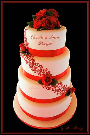 WHITE & RED BEAUTY - Cake by Ana Remígio - CUPCAKES & DREAMS Portugal