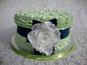 First Wafer Paper Rose - Cake by Cakes ROCK!!!