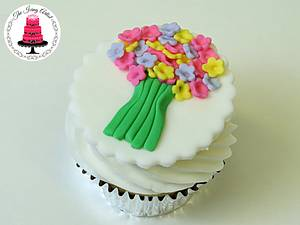 Spring Flower Bouquet Cupcake Topper! - Cake by The Icing Artist