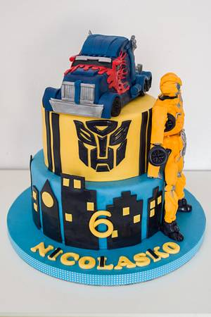 Transformers cake - Cake by SweetdreamsbyNika
