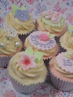 Birthday Cupcakes - Cake by SueC